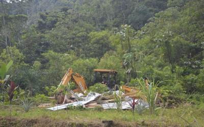 Exploração de cobre provoca violenta expulsão de comunidades indígenas no Equador