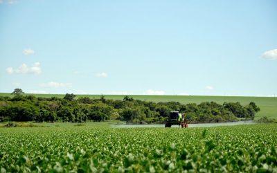A espiral dos agrotóxicos: saídas por dentro da democracia e por fora do agronegócio